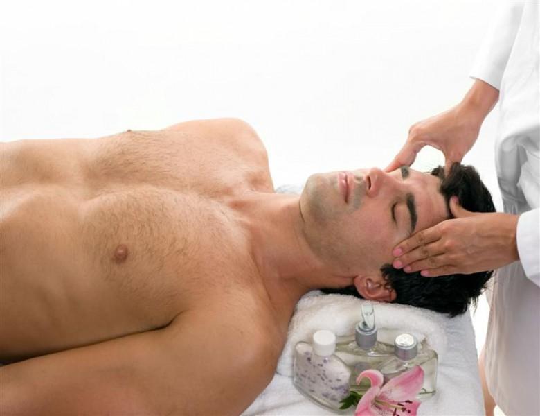 Видео парень попал на массаж к мужику